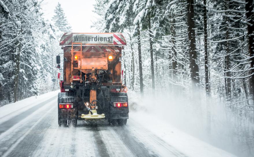 Eis, Schnee und Salz setzen Euren Trucks zu, Fotolia ©fottoo